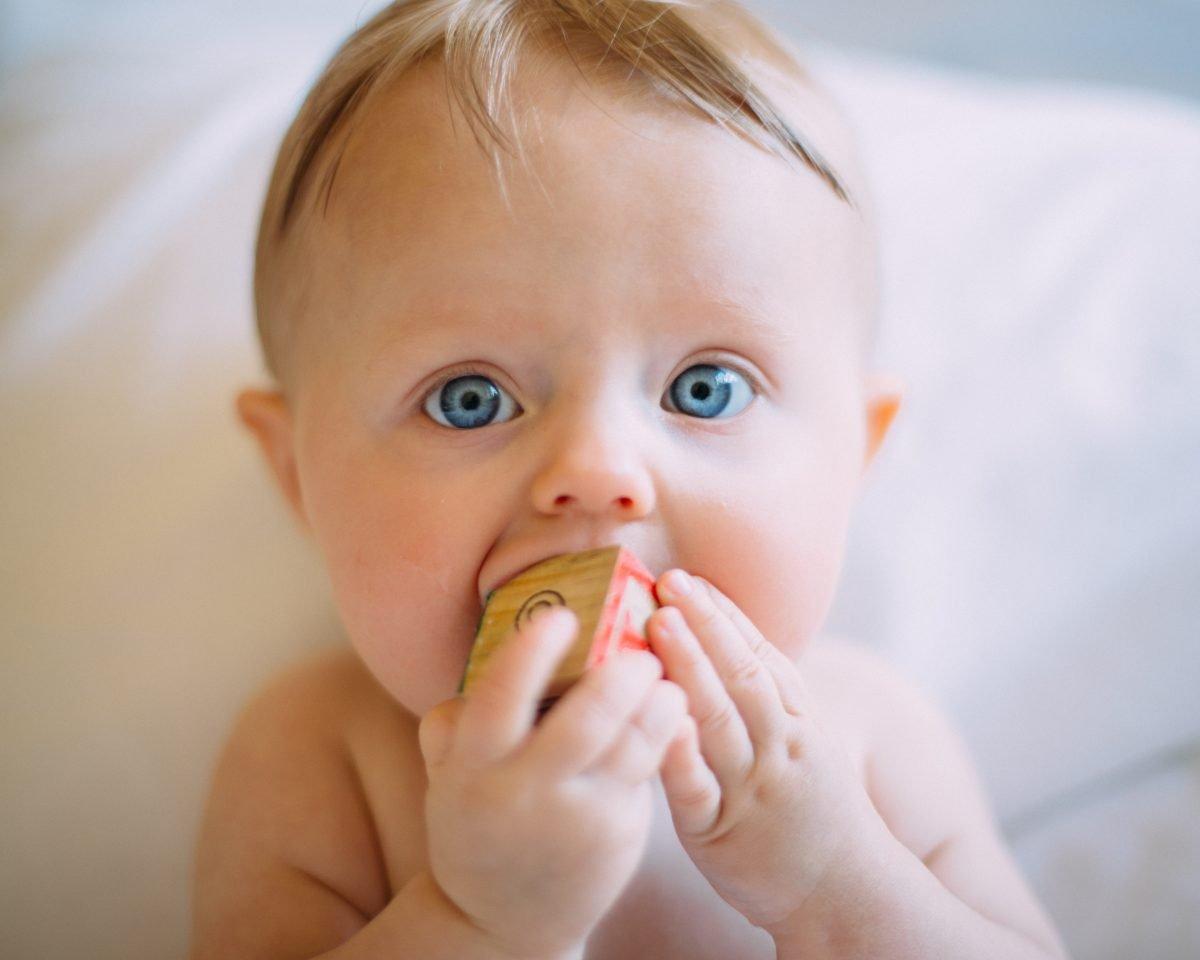 Dezvoltarea fizica si motorie a copilului (4-6 luni) | Demamici.ro