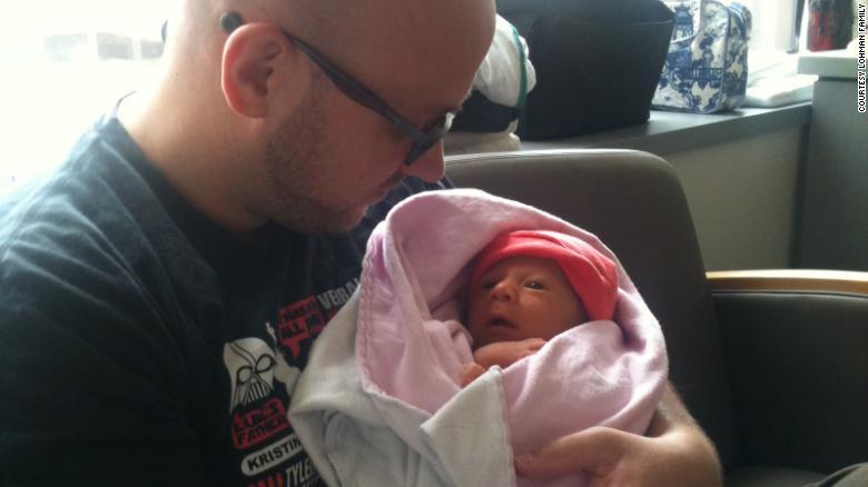 Toata sarcina li s-a spus ca vor avea o fetita, dar la nastere au descoperit ca bebelusul era intersex | Demamici.ro