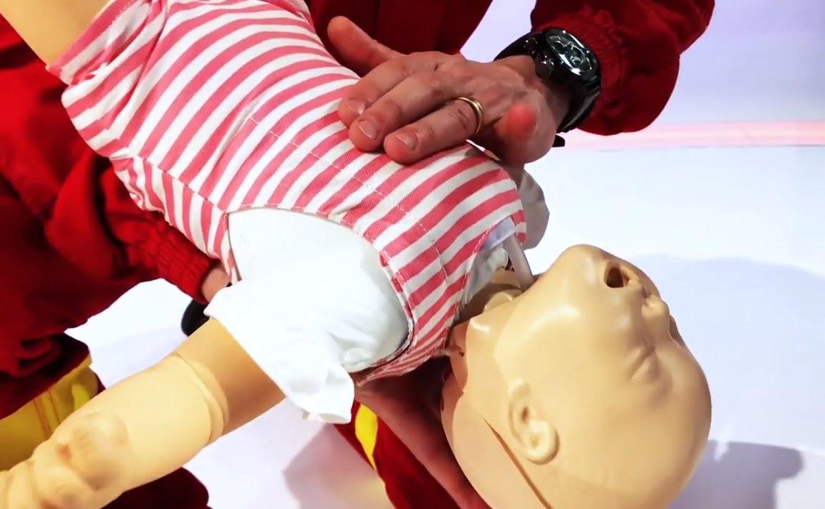 Un bebelus a murit dupa ce-a fost hranit cu paste! Mama este anchetata | Demamici.ro