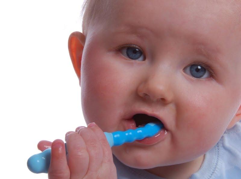 Totul despre demineralizarea dintilor de lapte