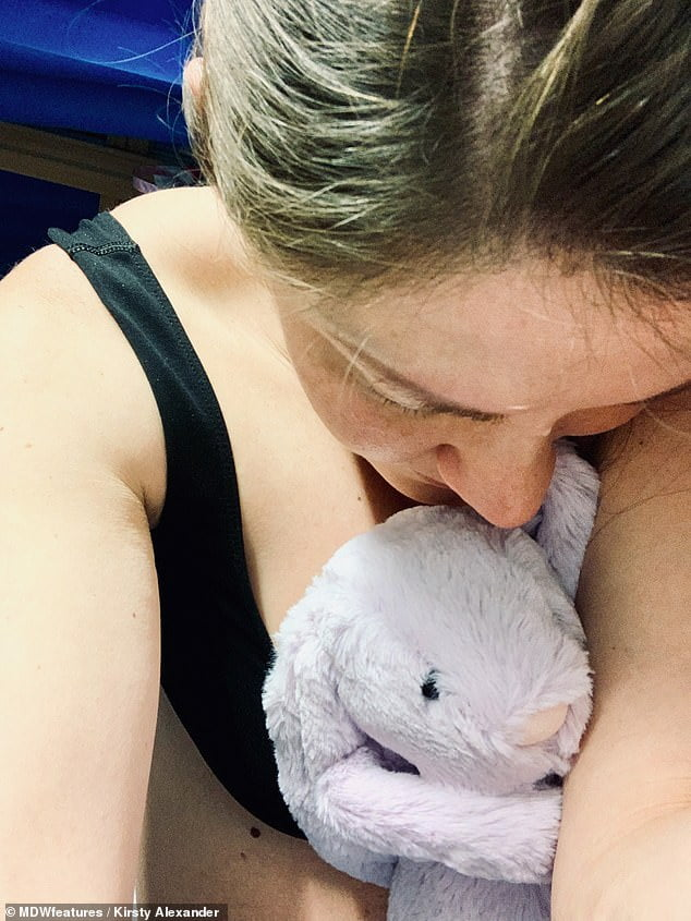 A ramas insarcinata cu tripleti, dar unul dintre bebelusi i-a murit in burta | Demamici.ro
