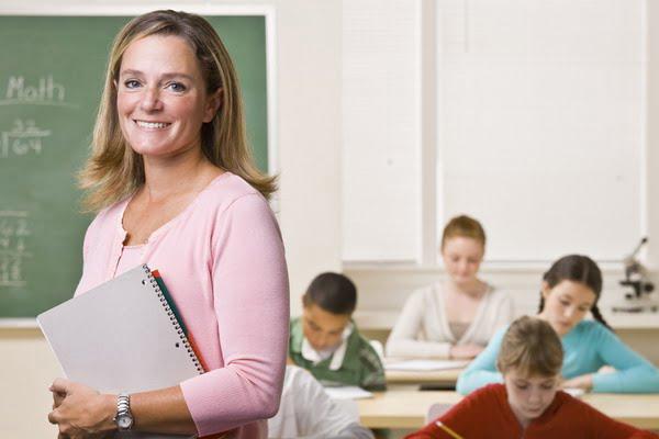 De ziua invatatorului, pe 5 iunie, elevii nu fac ore