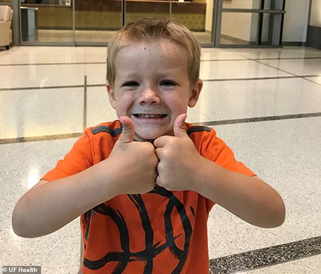Un baietel de 4 ani a invins cancerul