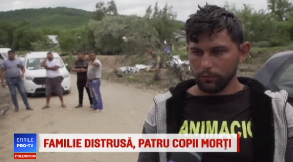 "Roxana, mama careia viitura i-a omorat cei 4 copii, isi striga durerea: ""Fetita de 9 luni mi-a murit in brate!"" | Demamici.ro"