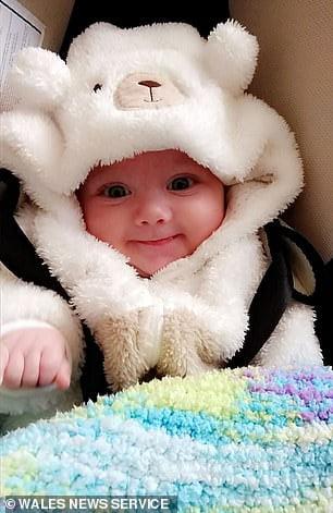 Un tata si-a scuturat bebelusul de 15 saptamani pana i-au sangerat ochii | Demamici.ro