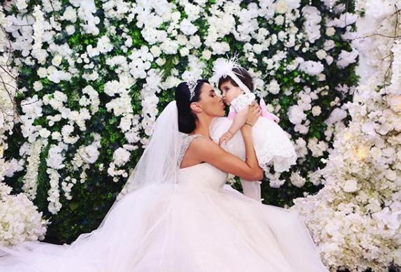 Cum si-a imbracat Adelina Pestritu fetita la nunta. I-a comandat tinuta din strainatate | Demamici.ro