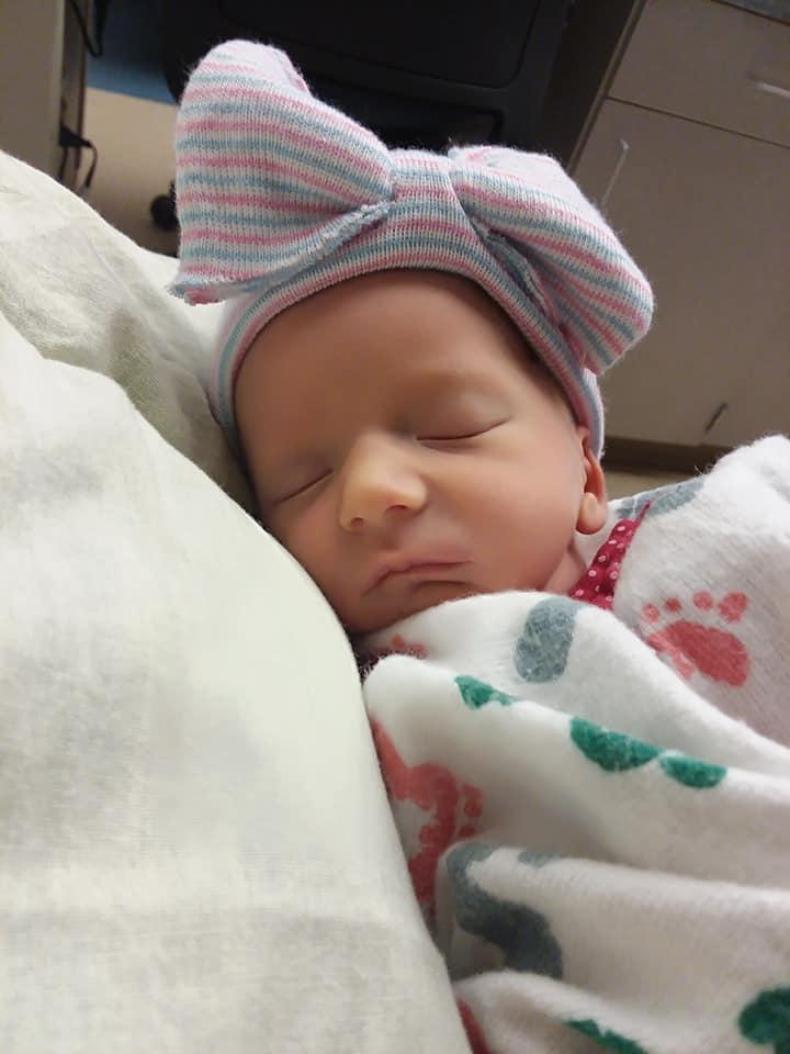 Credea ca are pietre la rinichi, dar cand a ajuns la spital a nascut tripleti | Demamici.ro
