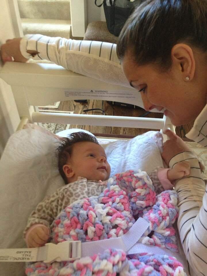 Adriana avea 6 saptamani cand mama ei si-a pus capat zilelor - depresia postnatala   Demamici.ro