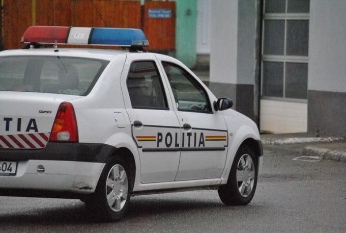 Gest impresionant facut de doi politisti din Capitala pentru un copilas care se lovise la cap   Demamici.ro
