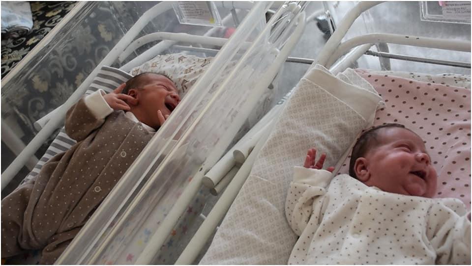 A născut la doar două luni