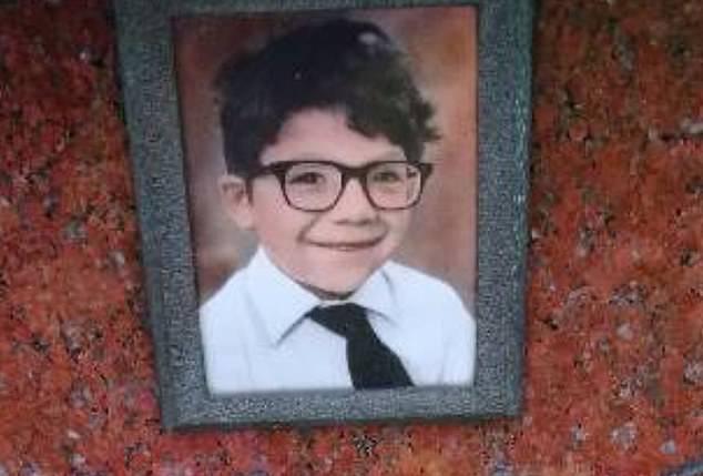 Un baietel de 7 ani a murit dupa ce a fost batut de personalul scolii