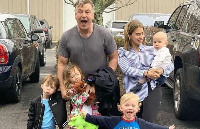 Alec Baldwin si familia