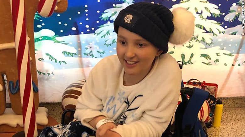 O eleva de 14 ani a invins cancerul in stadiul 4, chiar inainte de Craciun