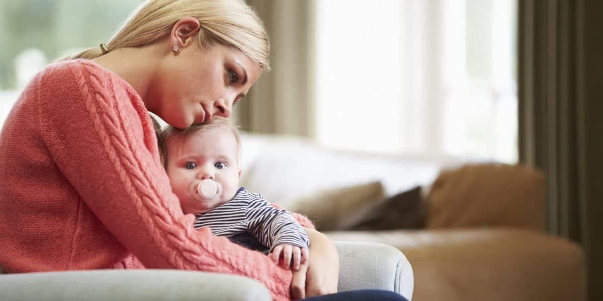 Depresia postnatala explicata de psihoterapeutul Isabela Mihut - cauze, simptome, tratament   Demamici.ro