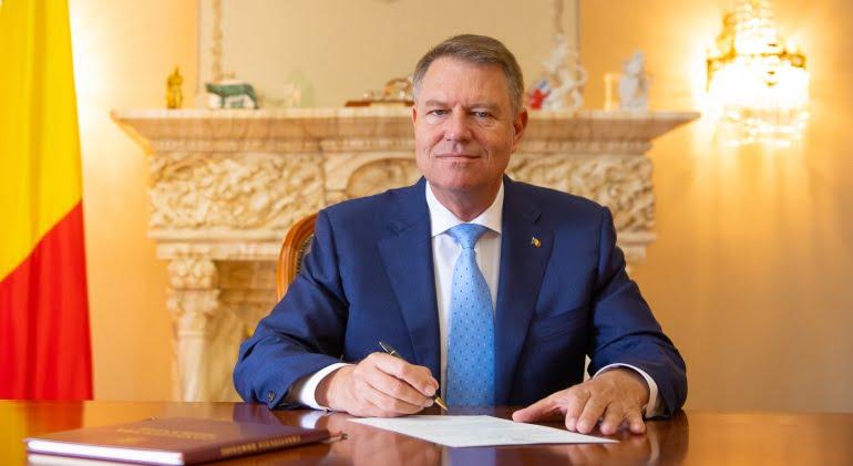 Klaus Iohannis a promulgat legea. Alocatiile pentru copii se dubleaza | Demamici.ro