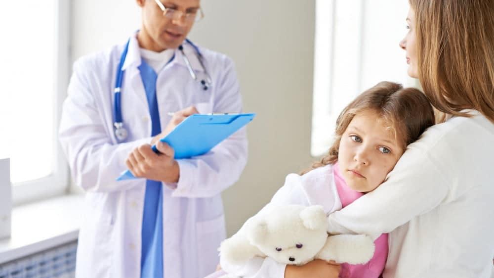 "Dr. Mina Madalina: ""Nu mai speriati copiii cu mersul la doctor pentru injectii!"" | Demamici.ro"