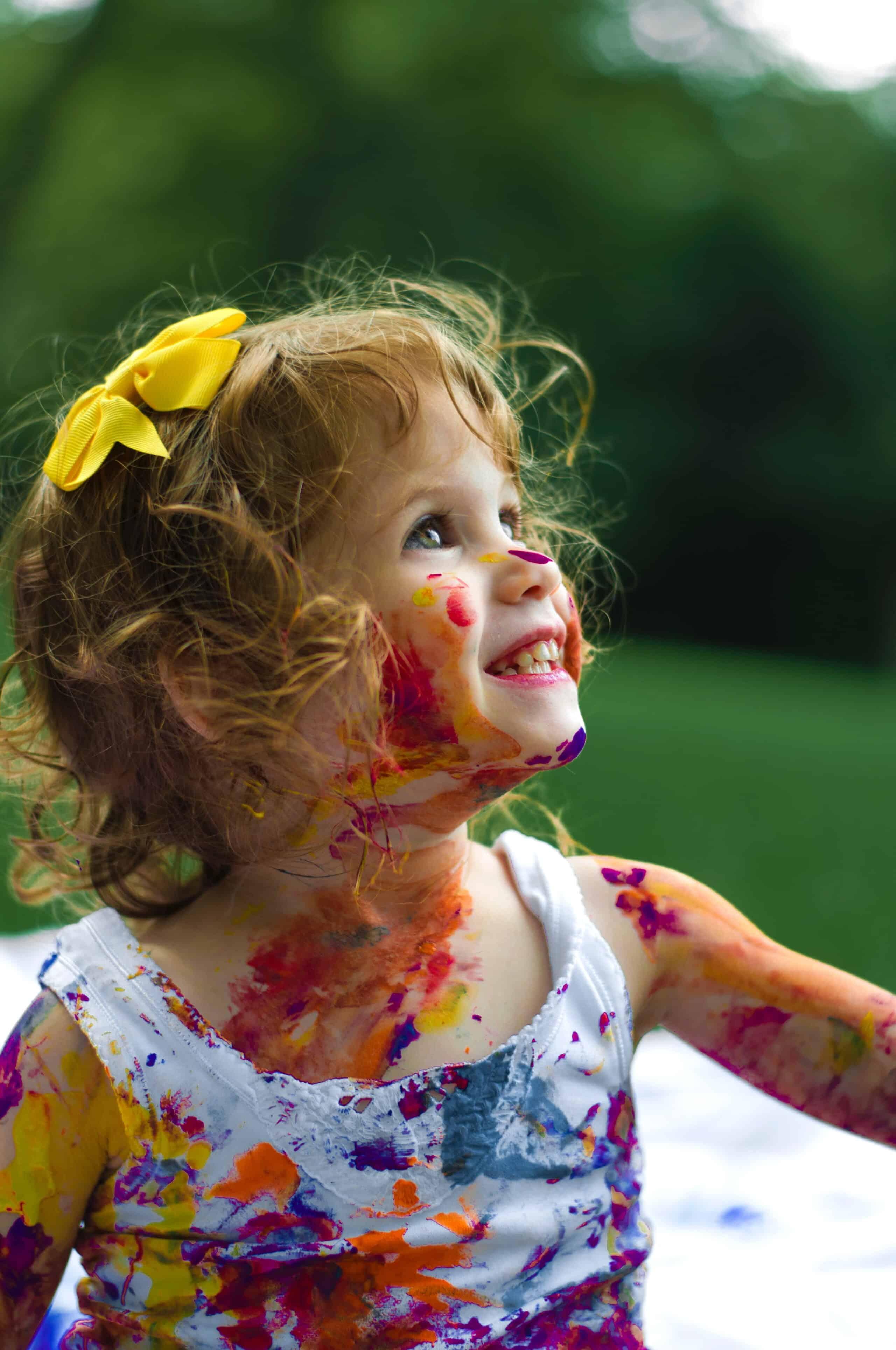 Etapele dezvoltarii emotionale la copii in functie de varsta - psihoterapeut Isabela Mihut | Demamici.ro