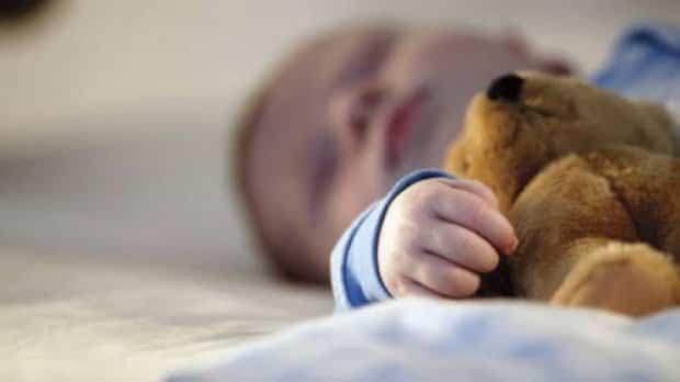 O mama si-a sufocat bebelusul, in somn, din greseala! Tragedie petrecuta intr-un hotel din Iasi   Demamici.ro