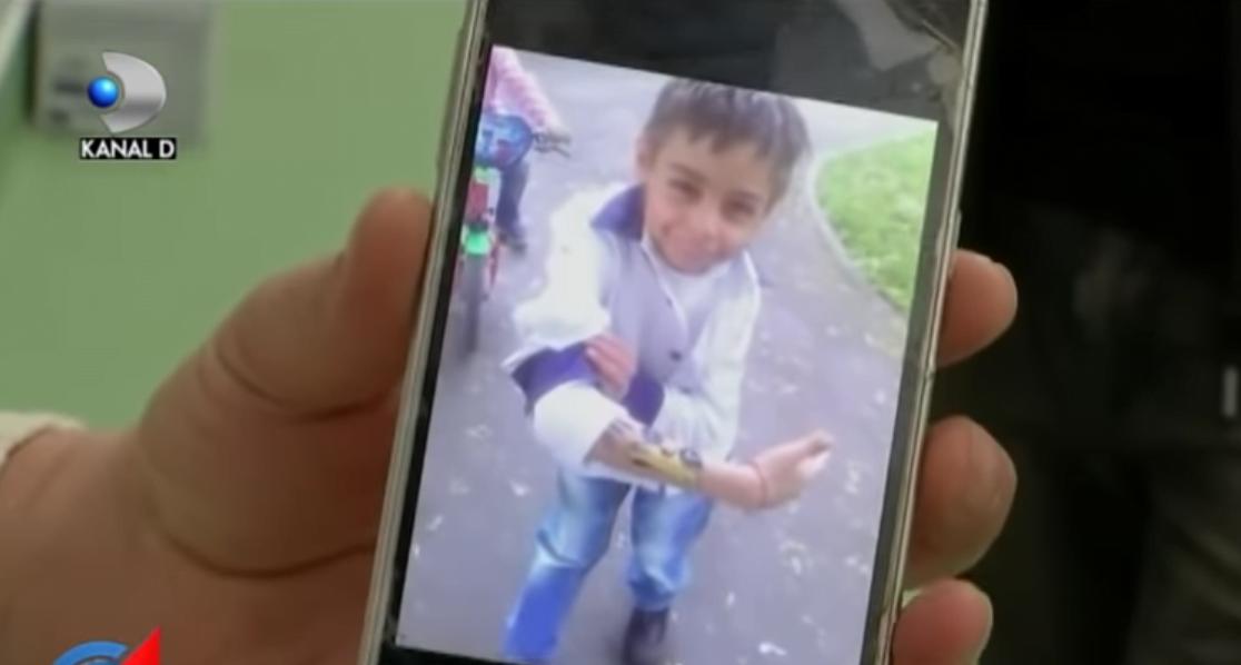 Inger dupa moarte. Un baietel de 8 ani a salvat 3 copii