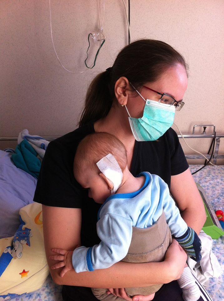 """Lupta unei mame cu sistemul medical din Romania: """"Iertati-ma, pentru ca si eu sunt de vina!""""   Demamici.ro"""