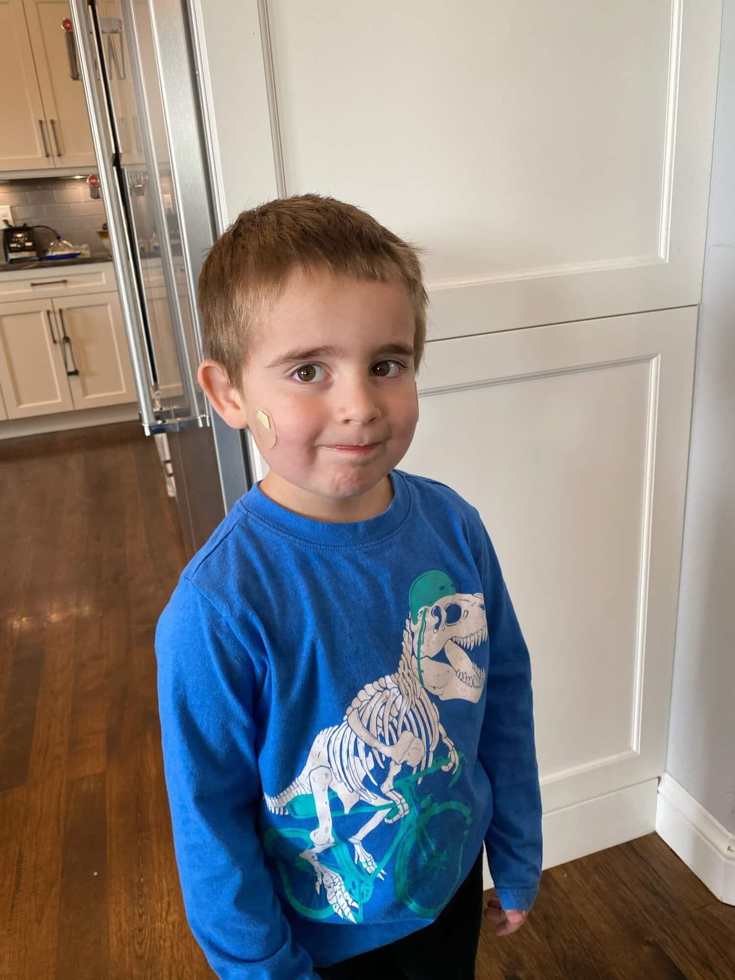 """Povestea noastră: """"Fiul meu de 4 ani are COVID-19"""""""