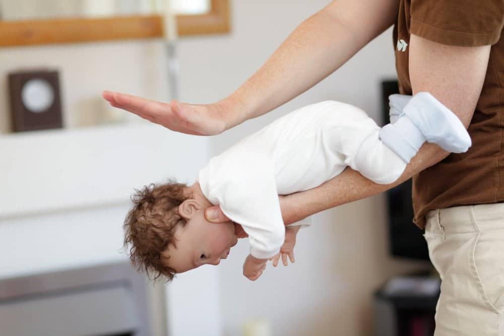 Tragedie in Gorj. Un bebeluș de 5 luni a murit înecat cu lapte   Demamici.ro