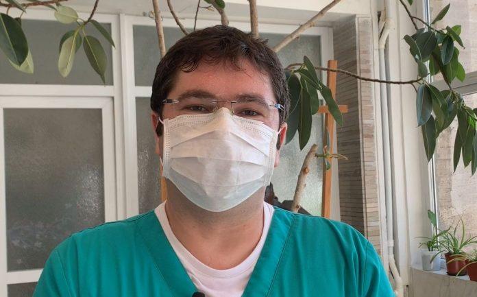 """Medicul care a operat o fetiță de apendicită, infectată cu COVID-19: """"I-am spus soției să nu mă mai aștepte"""""""