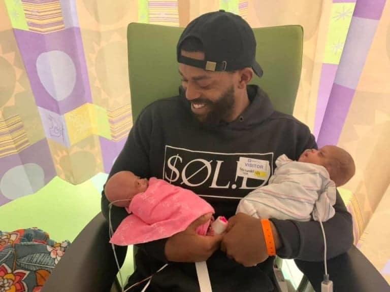 Al doilea caz in lume. Gemene nascute prematur la 22 de saptamani reusesc in mod miraculos sa supravietuiasca