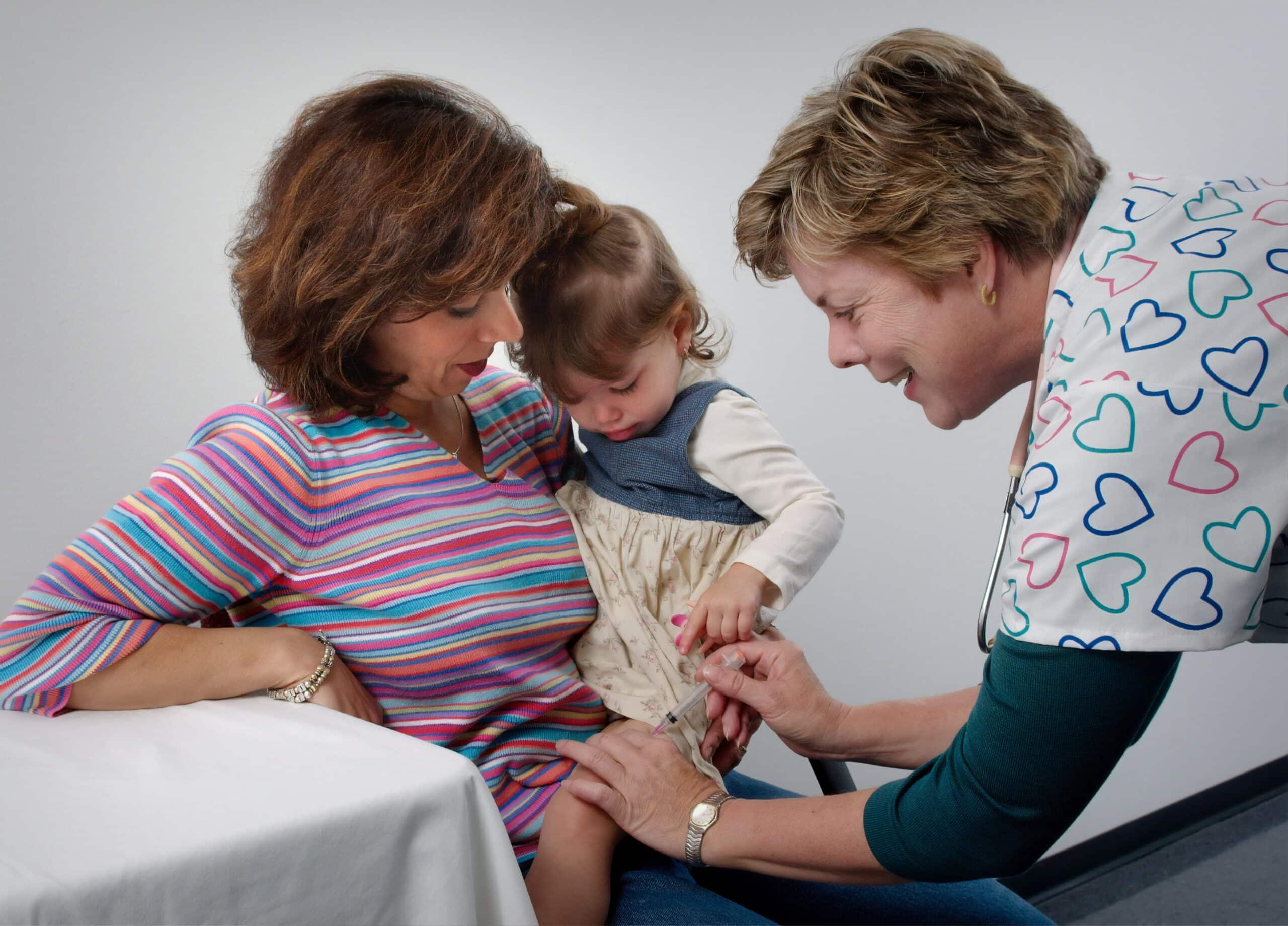 Vaccinarea. 10 reguli de respectat înainte și după
