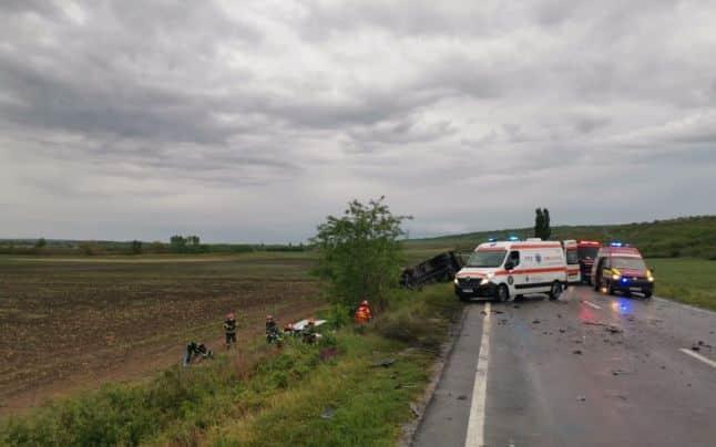 Doi tineri părinți și bebelușul lor de 10 luni au murit în Galați. Un polițist a plâns când a ajuns la scena accidentului rutier   Demamici.ro