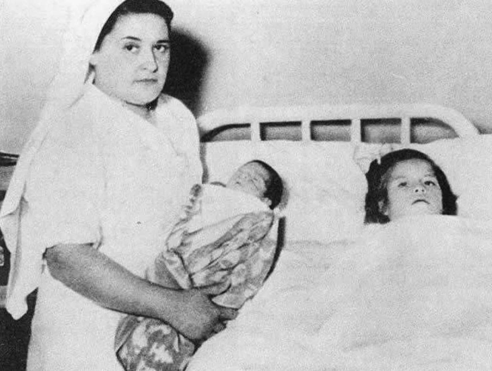 Cele mai tinere mame din istorie. Fetița devenită mamă, la doar 5 ani și 7 luni