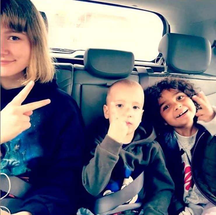 Cum arată acum fetița de etnie romă adoptată de Dana Nălbaru și Dragoș Bucur