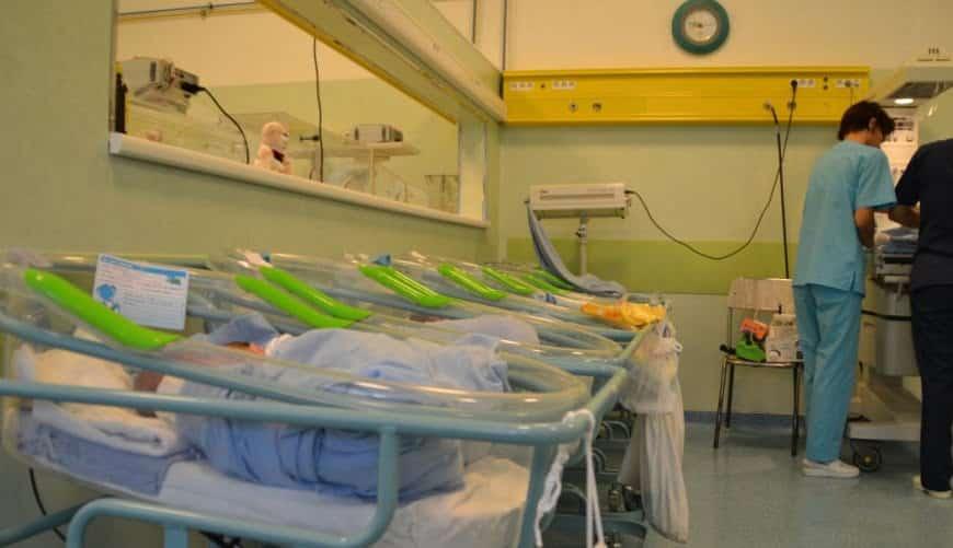 Caz dureros la Maternitatea Giulești. O mamă de 35 de ani, în comă de o lună, după ce a născut al treilea copil