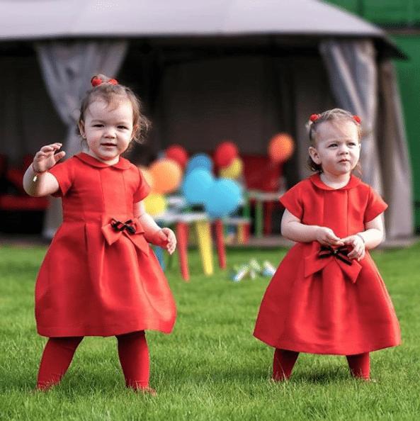 Cât de mult au crescut gemenele Valentinei Pelinel. Cu cine seamănă Rania si Indira | Demamici.ro
