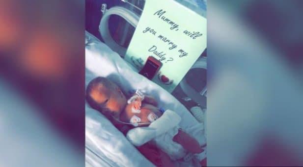 Un bebeluș născut prematur și-a ajutat tăticul cu cererea în căsătorie imediat după ce-a venit pe lume