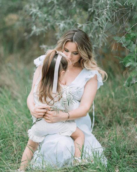 Laura Cosoi a născut cea de-a două fetiță. Ce nume a ales pentru micuță   Demamici.ro