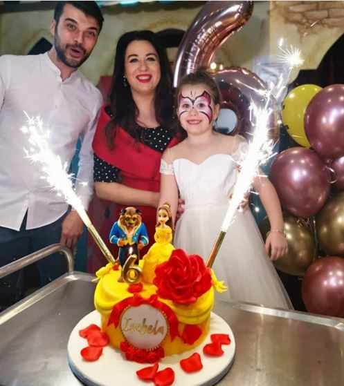 """Oana Roman, cu fetița la spital după ce a înghițit heliu dint-un balon: """"S-a prăbușit la pământ"""""""