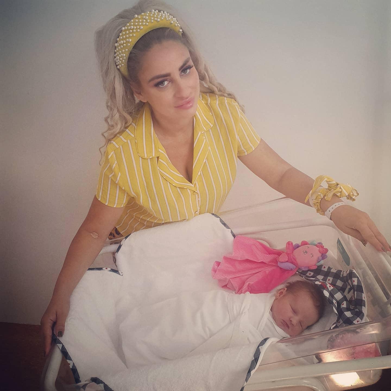 """Sânziana Buruiană a născut cea de-a doua fetiță: """"Bine ai venit pe lume, minunea noastră"""""""