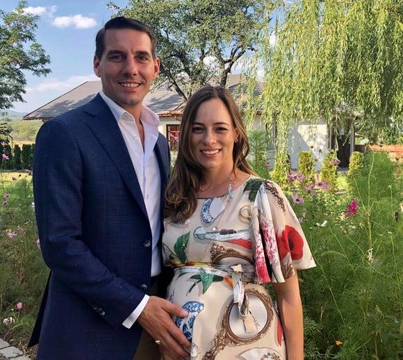 Nicolae al României și Alina Binder au devenit părinți. Micuța Alexandra-Maria a venit pe lume la Spitalul Polizu