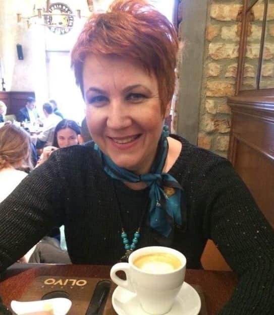 """Profesoara care predă online, deși are cancer în stadiul patru: """"Dacă n-aș face asta, m-aș simți și mai rău"""""""