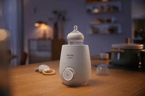 Cum să dormi mai mult și mai bine ca proaspătă mămică. Cât de util este un aparat de încălzit biberoane la începutul perioadei de maternitate | Demamici.ro