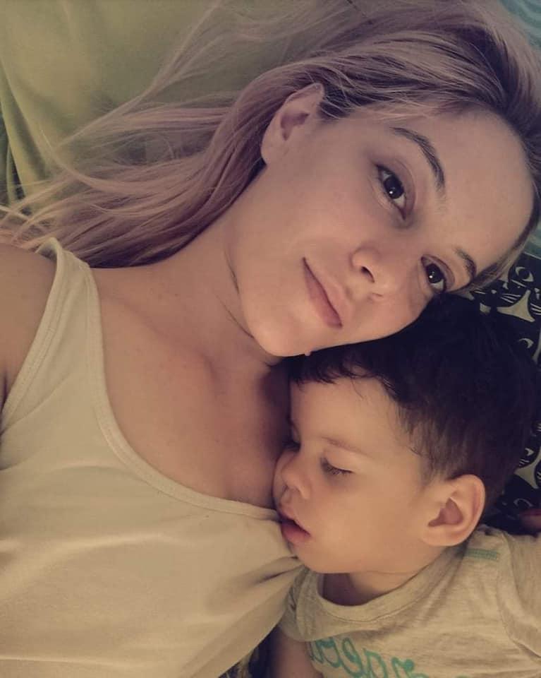 O mămică de 22 de ani are mare nevoie de sânge. Petruța are un băiețel de 3 ani și a fost diagnosticată cu leucemie în urmă cu o săptămână   Demamici.ro