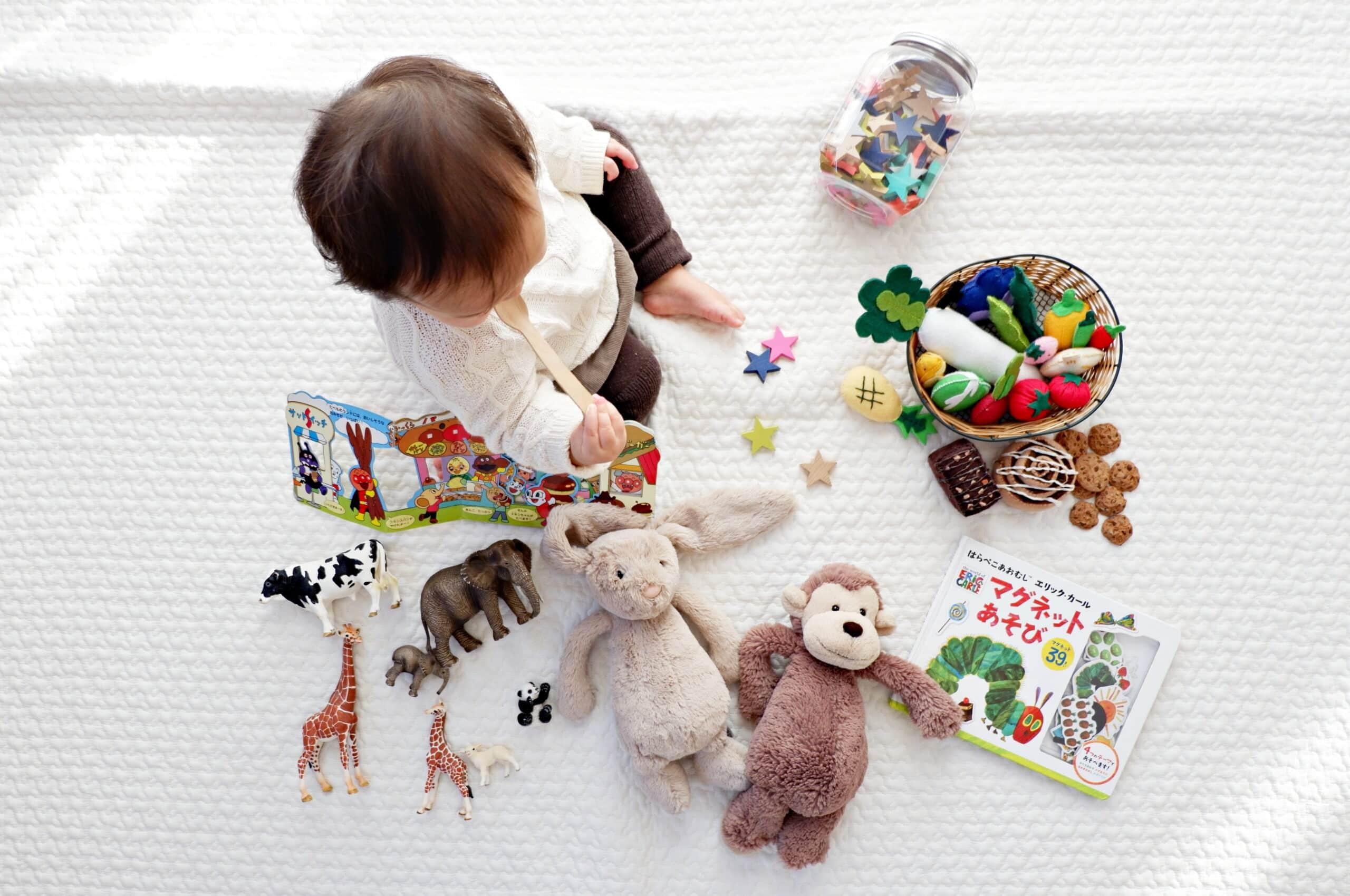 Ce jucării sunt potrivite pentru bebelușul tău în primul an de viață. Opțiuni ce contribuie la dezvoltarea armonioasă a copilului | Demamici.ro