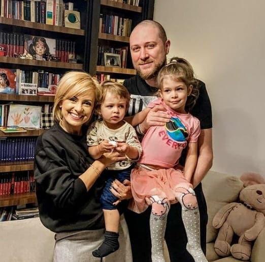"""Simona Gherghe a ajuns cu băiețelul ei la spital: """"Vlad a căzut cu fața de parchet, m-am speriat foarte tare"""""""