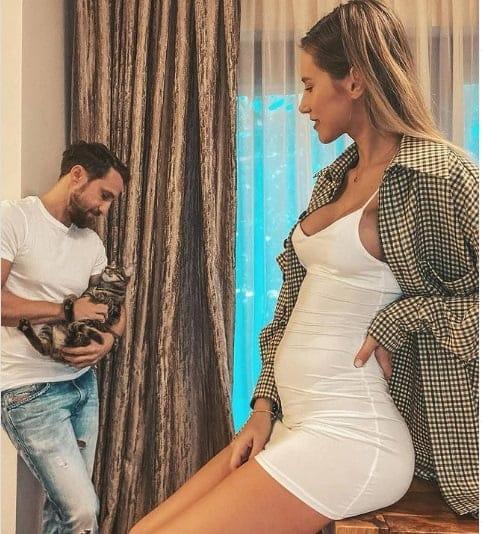 """Dani Oțil, pentru prima dată tătic. Gabriela Prisăcaru este însărcinată: """"Vom avea un copil"""""""