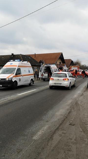 Un bebeluș de 6 luni din Mureș a murit într-un accident. Mașina s-a răsturnat, copilul nu era securizat în scaun auto | Demamici.ro