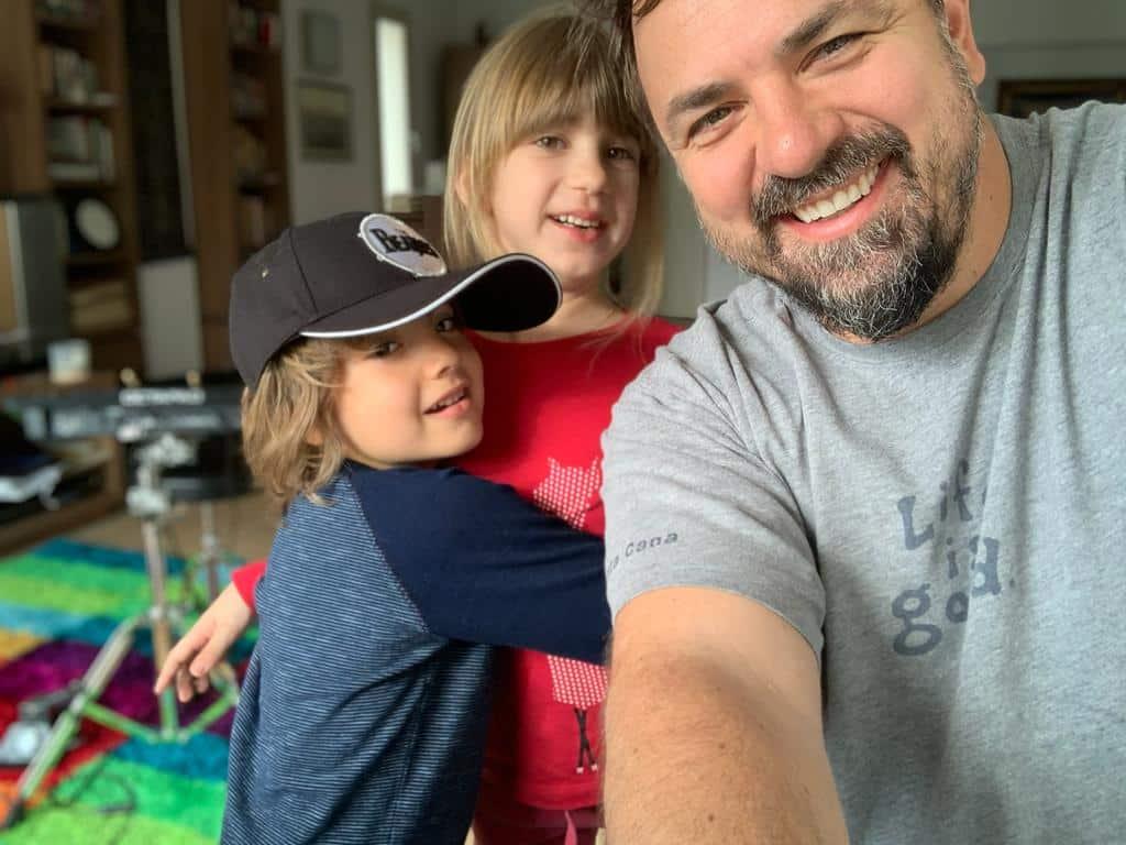 """Horia Brenciu a oprit avortul unei fete minore și a decis să salveze copilul: """"Nu-l avortează, îl vrem noi"""""""