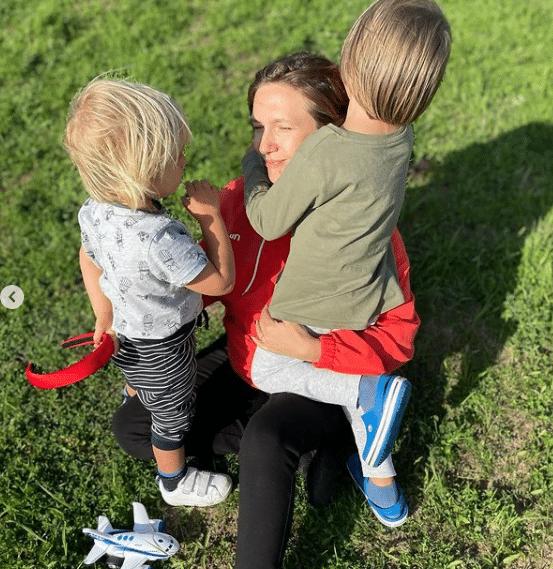 Adela Popescu, fotografii neretușate după ce-a devenit prima dată mamă. Alexandru, băiețelul ei cel mare, a împlinit 5 ani | Demamici.ro