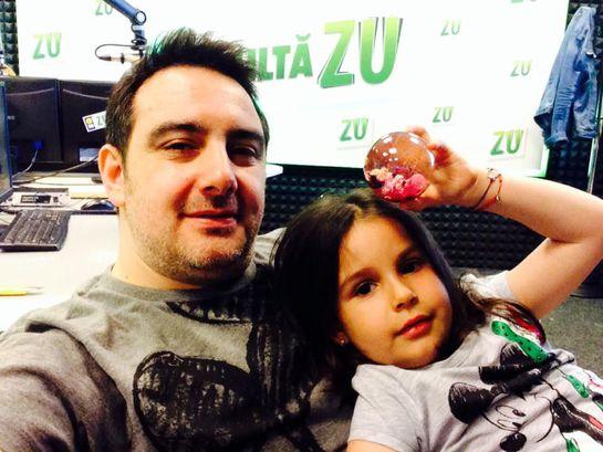 """Fata Dj-ului Silviu Andrei a ajuns la spital din cauza unei jucării îndrăgite de mulți copii: """"Sunt părinte și e datoria mea să trag un semnal de alarmă"""""""