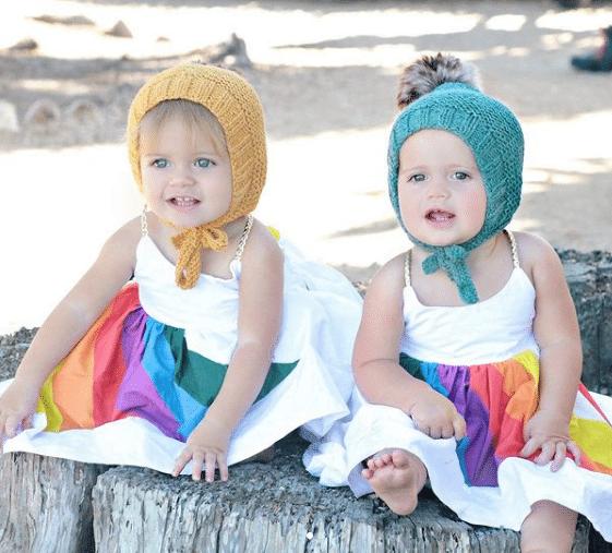 Cele două surori gemene care au născut în aceeași zi, la același spital, chiar de ziua lor de naștere